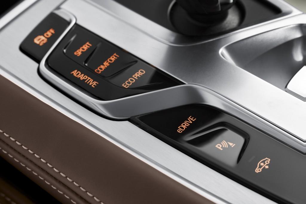 2017 BMW 740e xDrive i Performance