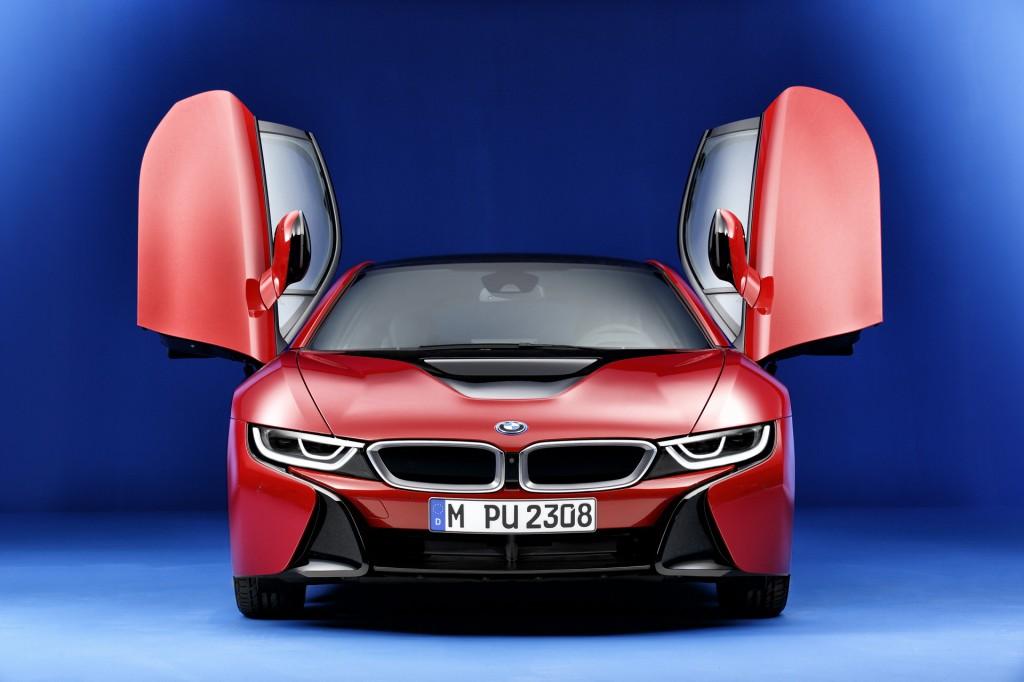 2016 BMW i8 vs. 2016 Tesla Model S: Compare Cars