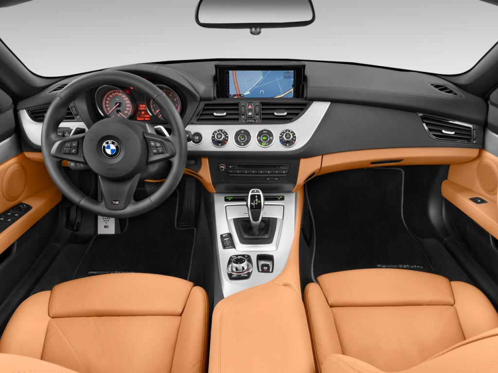 Image 2016 Bmw Z4 2 Door Roadster Sdrive35is Dashboard