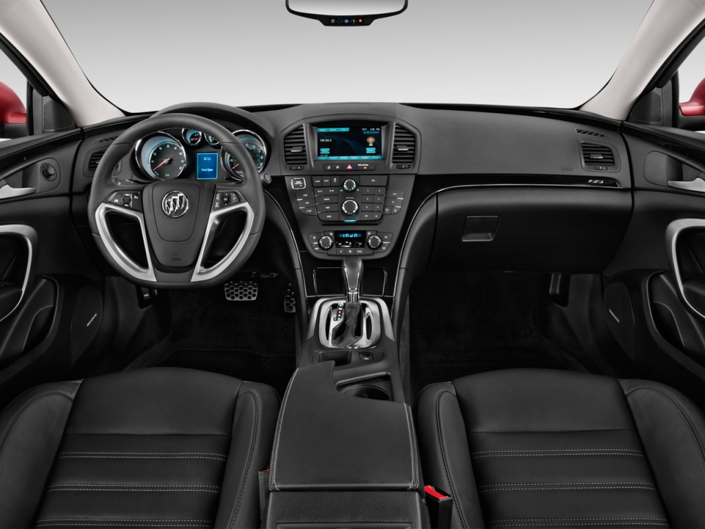 Image: 2016 Buick Regal 4-door Sedan GS FWD Dashboard ...