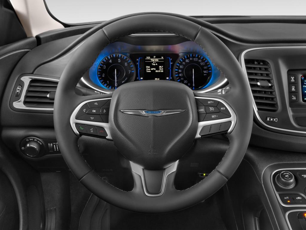 image 2016 chrysler 200 4 door sedan limited fwd steering wheel size 1024 x 768 type gif. Black Bedroom Furniture Sets. Home Design Ideas