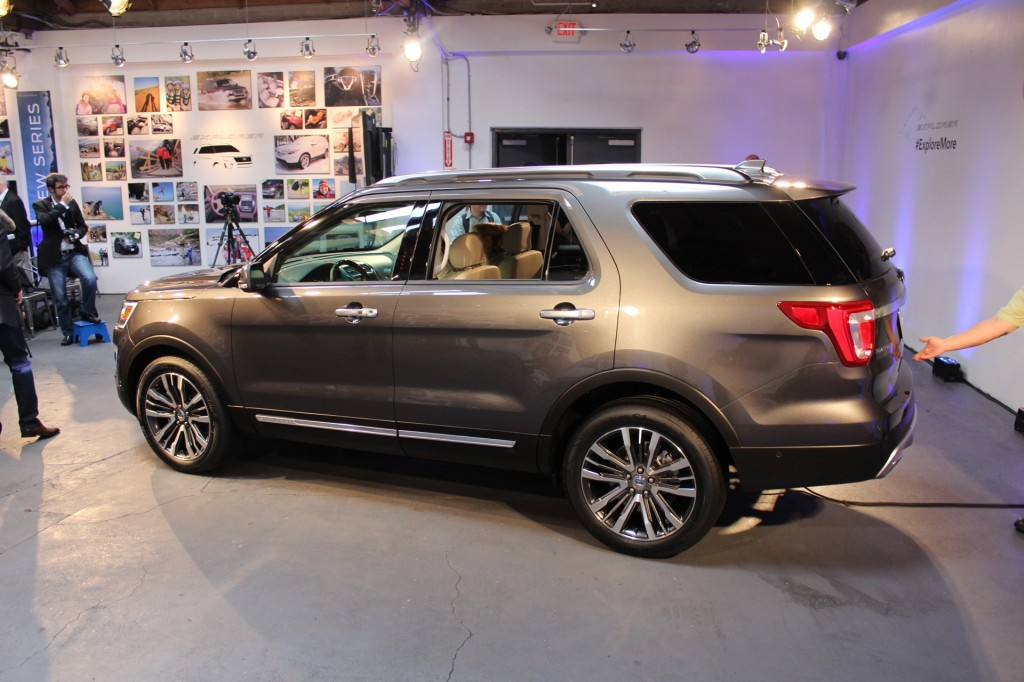 image 2016 ford explorer platinum 2014 los angeles auto show preview size 1024 x 682 type. Black Bedroom Furniture Sets. Home Design Ideas