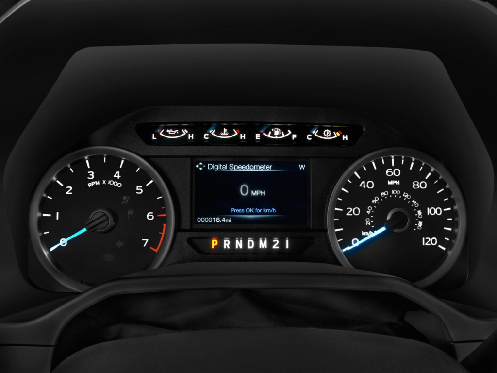"""Image: 2016 Ford F-150 2WD SuperCrew 145"""" XLT Instrument ..."""