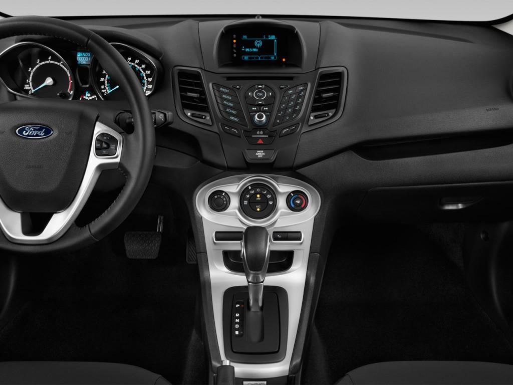 Image: 2016 Ford Fiesta 5dr HB SE Instrument Panel, size ...