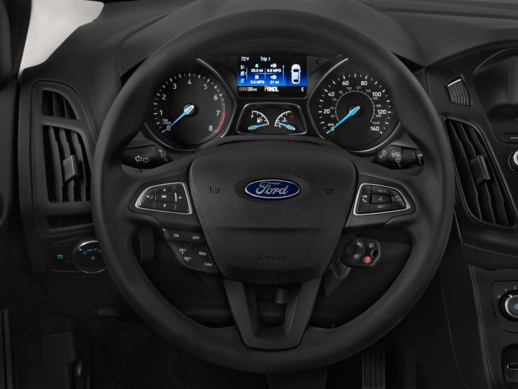 Image 2016 Ford Focus 4 Door Sedan Se Steering Wheel