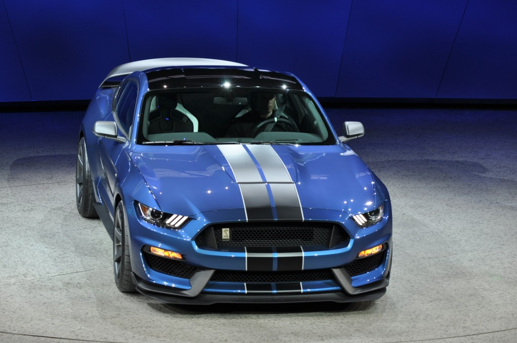 Image 2016 ford mustang shelby gt350r 2015 detroit auto for Ford motor company 10k 2016