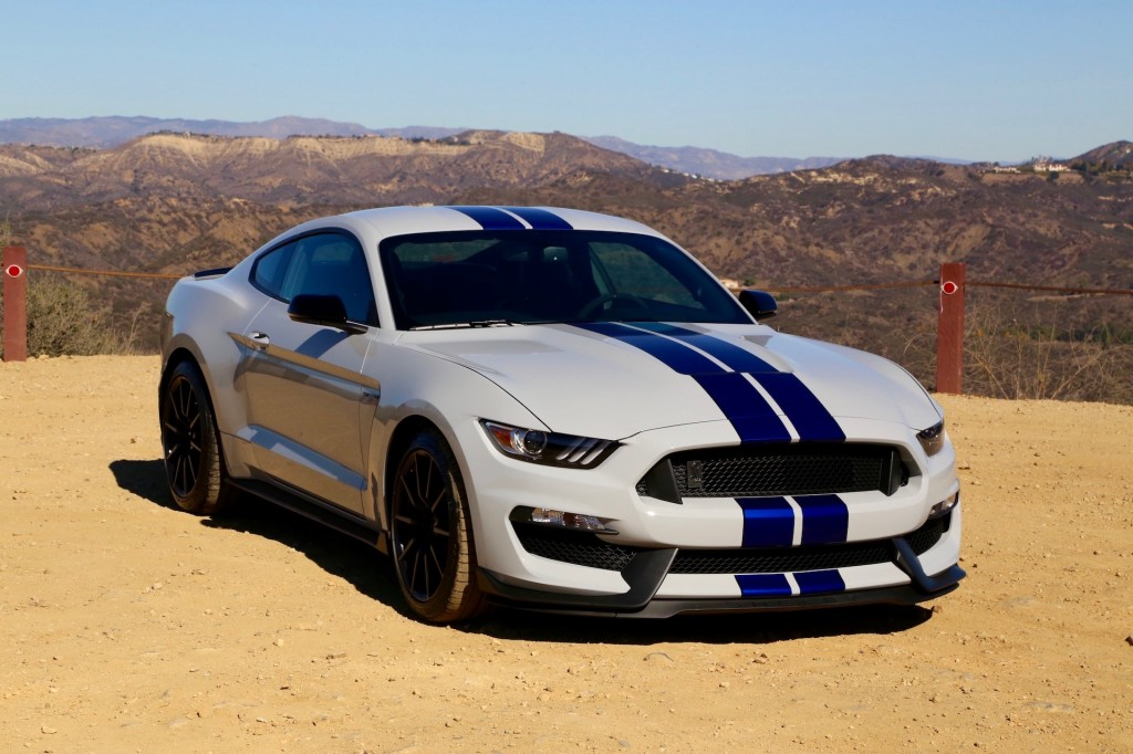 Image 2016 Ford Shelby Gt350 Vs Chevrolet Camaro Ss