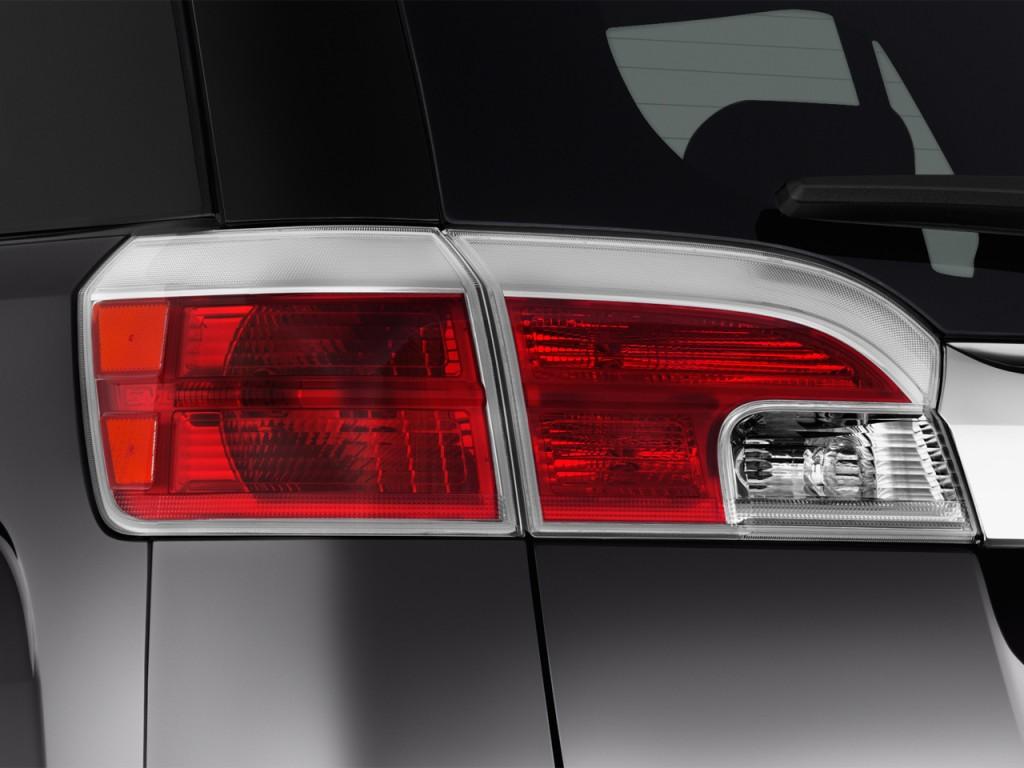 Image: 2016 GMC Terrain FWD 4-door Denali Tail Light, size ...