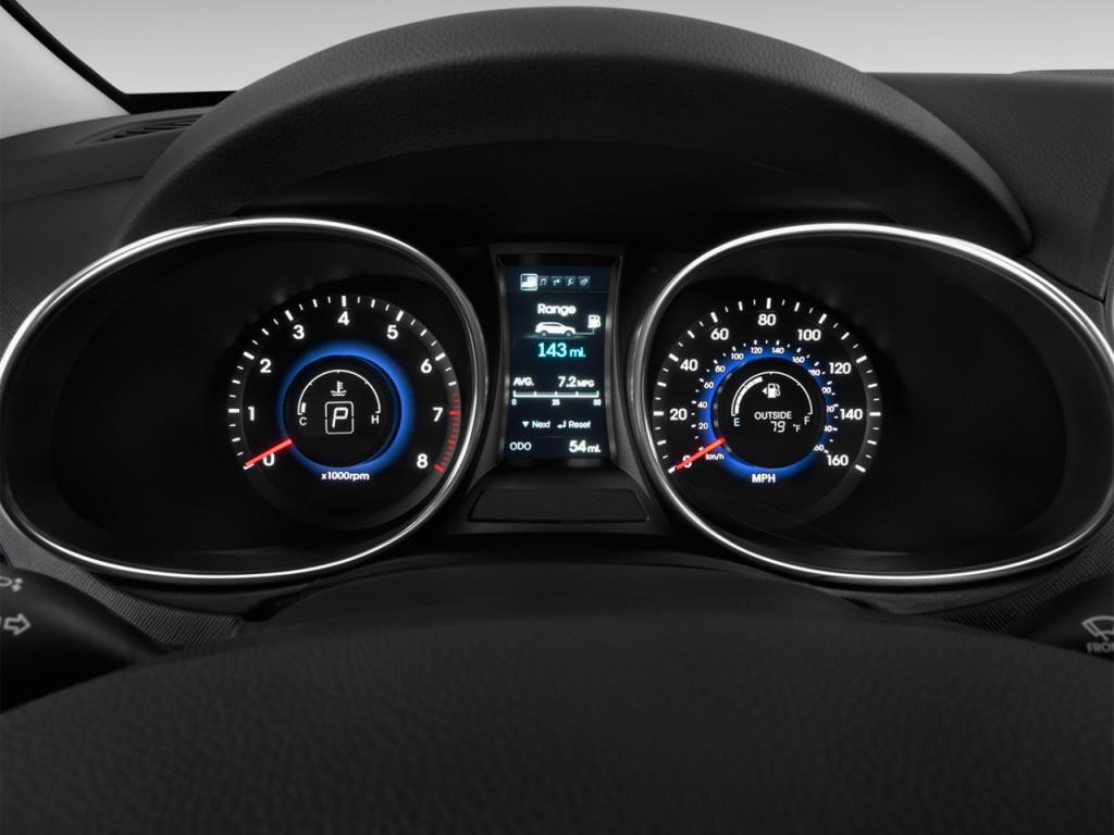 Image 2016 Hyundai Santa Fe Fwd 4 Door Limited Instrument