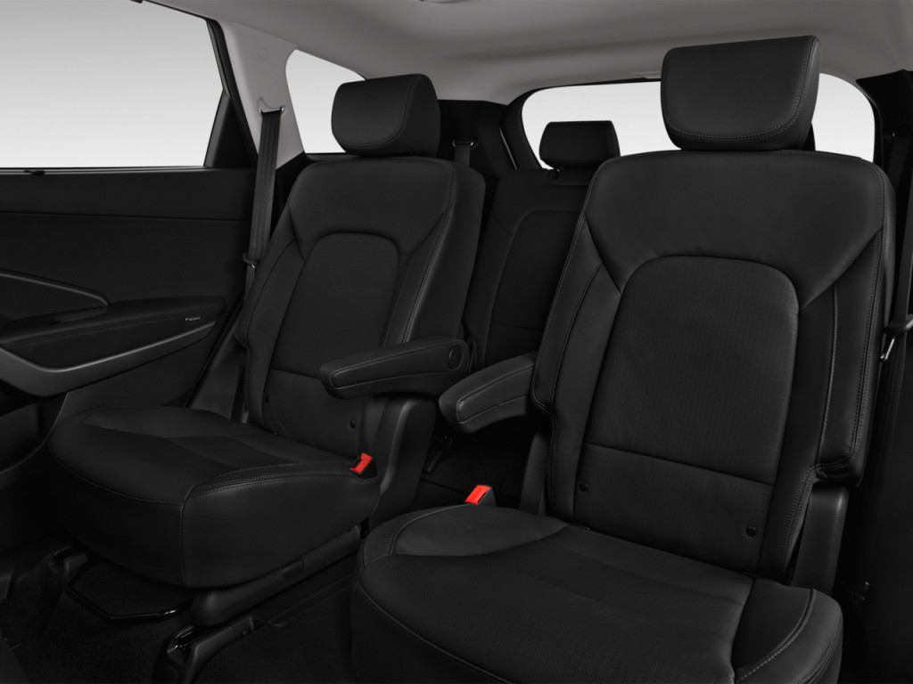 Image 2016 Hyundai Santa Fe Fwd 4 Door Limited Rear Seats