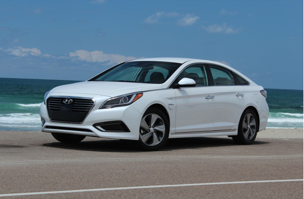 image 2016 hyundai sonata plug in hybrid first drive. Black Bedroom Furniture Sets. Home Design Ideas