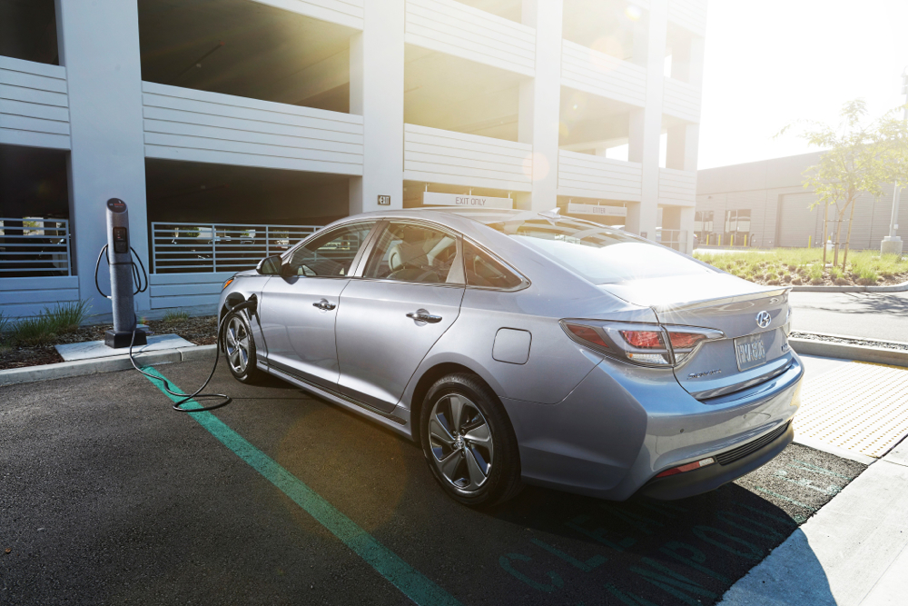 Hyundai gets the hint, focuses on battery-powered electric cars, not fuel cells