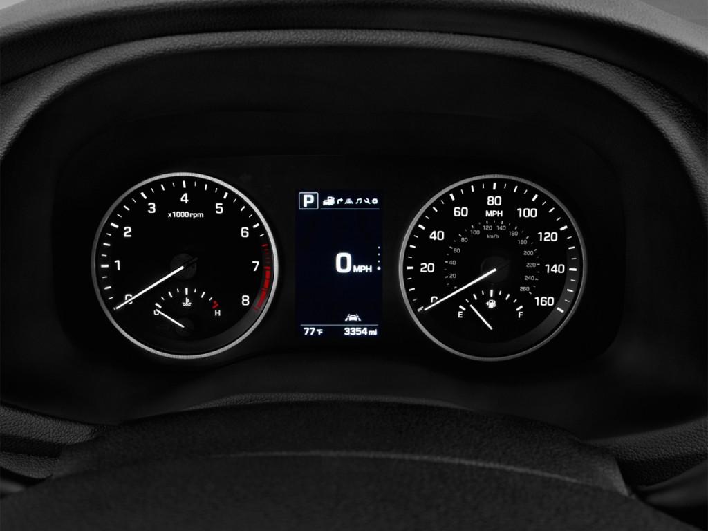 Image: 2016 Hyundai Tucson FWD 4-door Limited Instrument ...