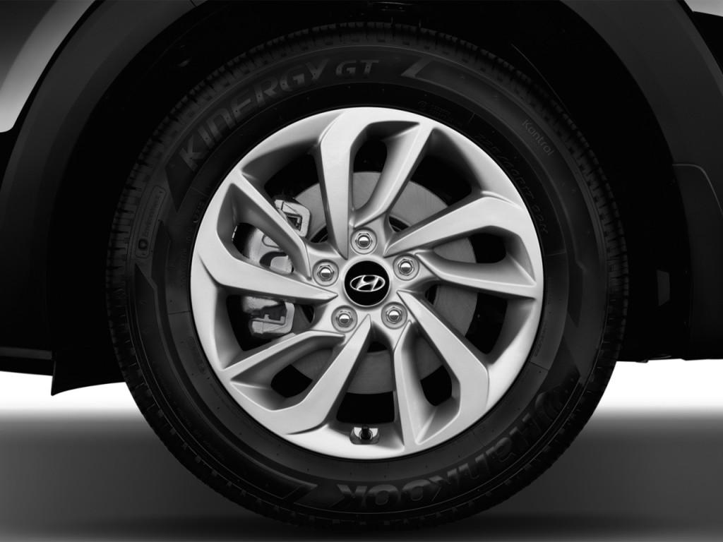 Image 2016 Hyundai Tucson Fwd 4 Door Se Wheel Cap Size