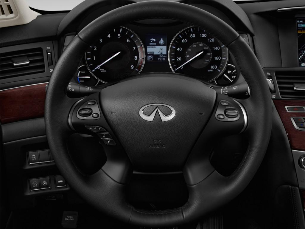Image: 2016 INFINITI Q70h 4-door Sedan RWD Hybrid Steering ...