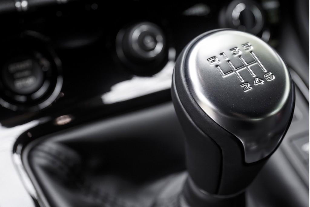 2016 Jaguar F-Type S V-6 manual