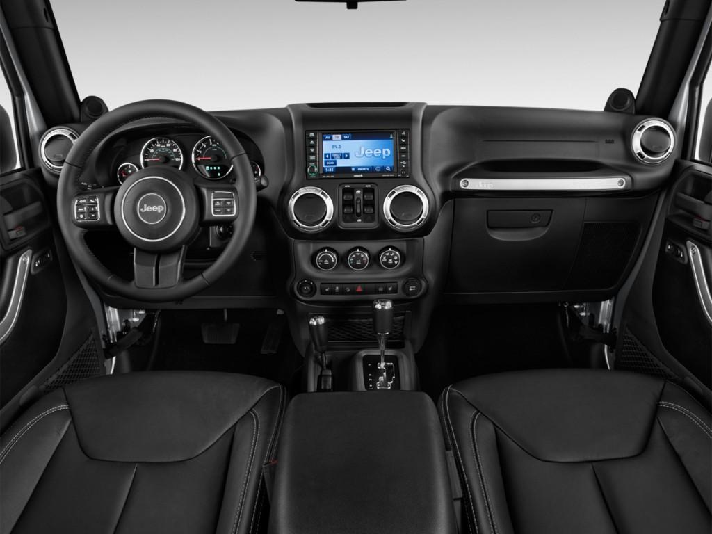 image 2016 jeep wrangler unlimited 4wd 4 door sahara dashboard size 1024 x 768 type gif. Black Bedroom Furniture Sets. Home Design Ideas