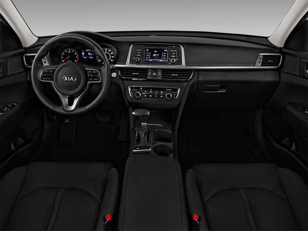 Image: 2016 Kia Optima 4-door Sedan LX Turbo Dashboard ...