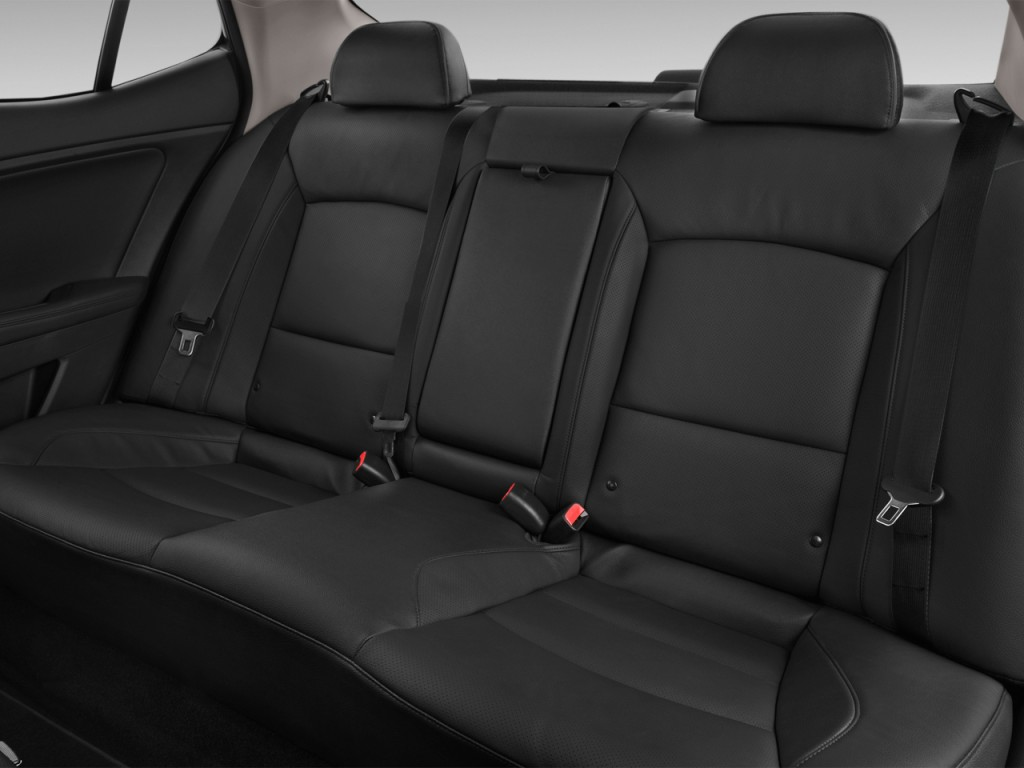 Image: 2016 Kia Optima Hybrid 4-door Sedan EX Rear Seats ...
