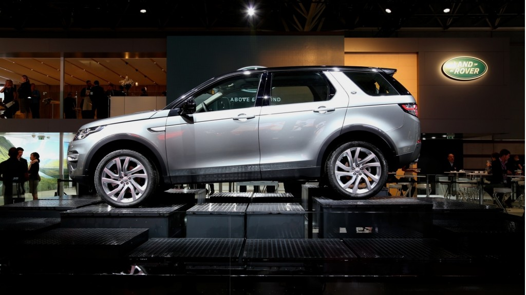 image 2016 land rover discovery sport size 1024 x 574 type gif posted on october 2 2014. Black Bedroom Furniture Sets. Home Design Ideas