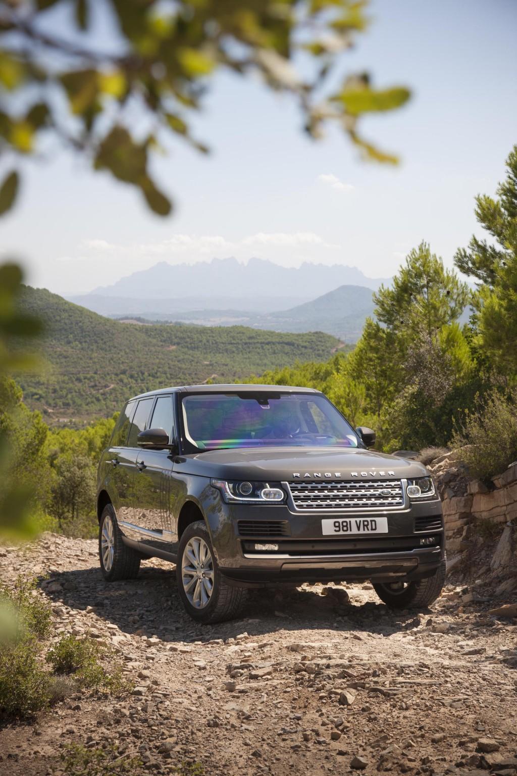 Image: 2016 Land Rover Range Rover Td6, size: 1024 x 1536 ...