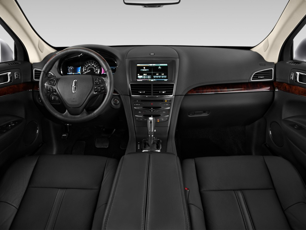 Image: 2016 Lincoln MKT 4-door Wagon 3.7L FWD Dashboard ...