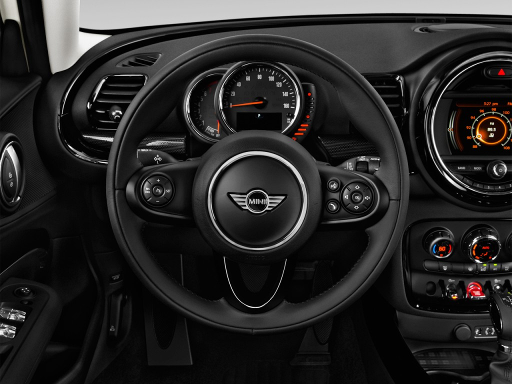 Image: 2016 MINI Cooper Clubman 4-door HB Steering Wheel