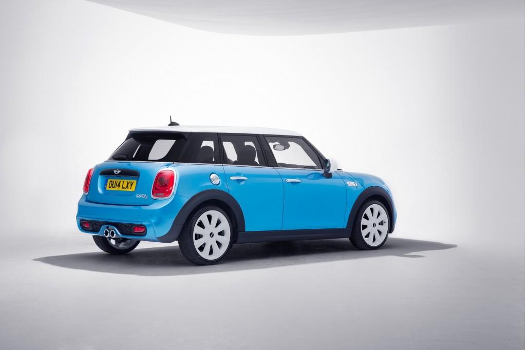 VW Beetle vs. Mini Cooper: Compare Cars