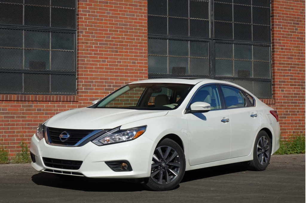 image 2016 nissan altima 2 5sl size 1024 x 682 type gif posted on april 12 2016 2 12 pm. Black Bedroom Furniture Sets. Home Design Ideas