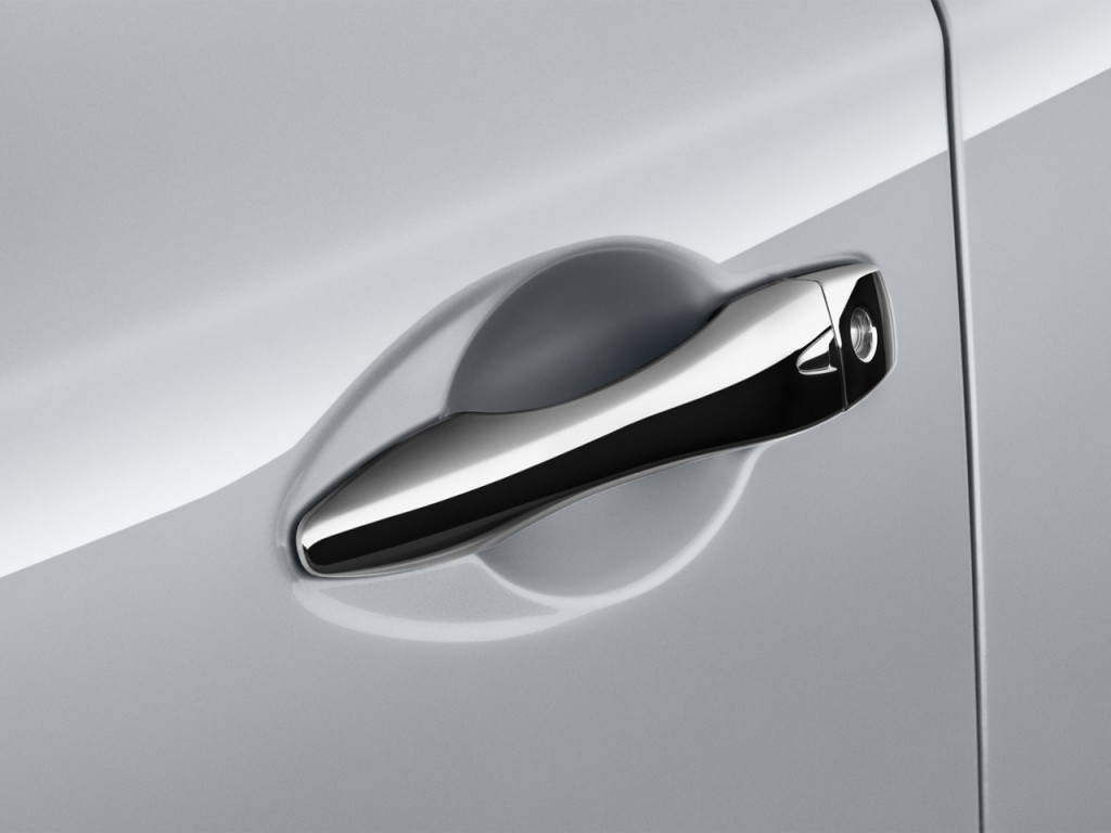 Image: 2016 Nissan Altima 4-door Sedan I4 2.5 S Door Handle, size ...