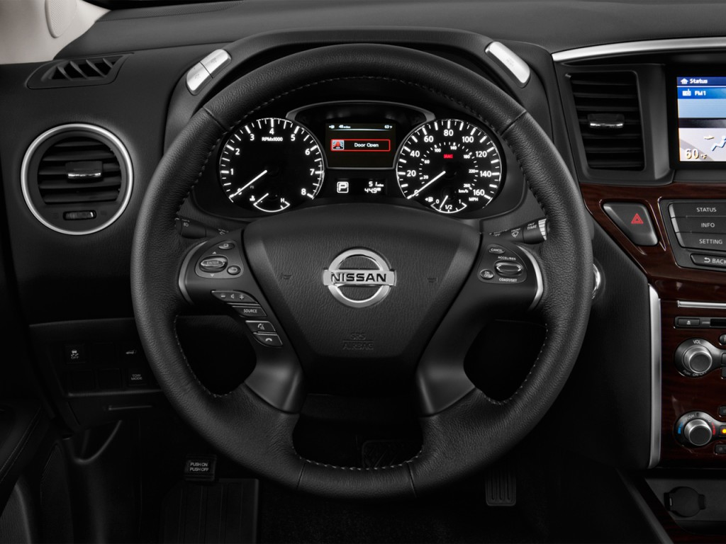 Image: 2016 Nissan Pathfinder 2WD 4-door SL Steering Wheel ...