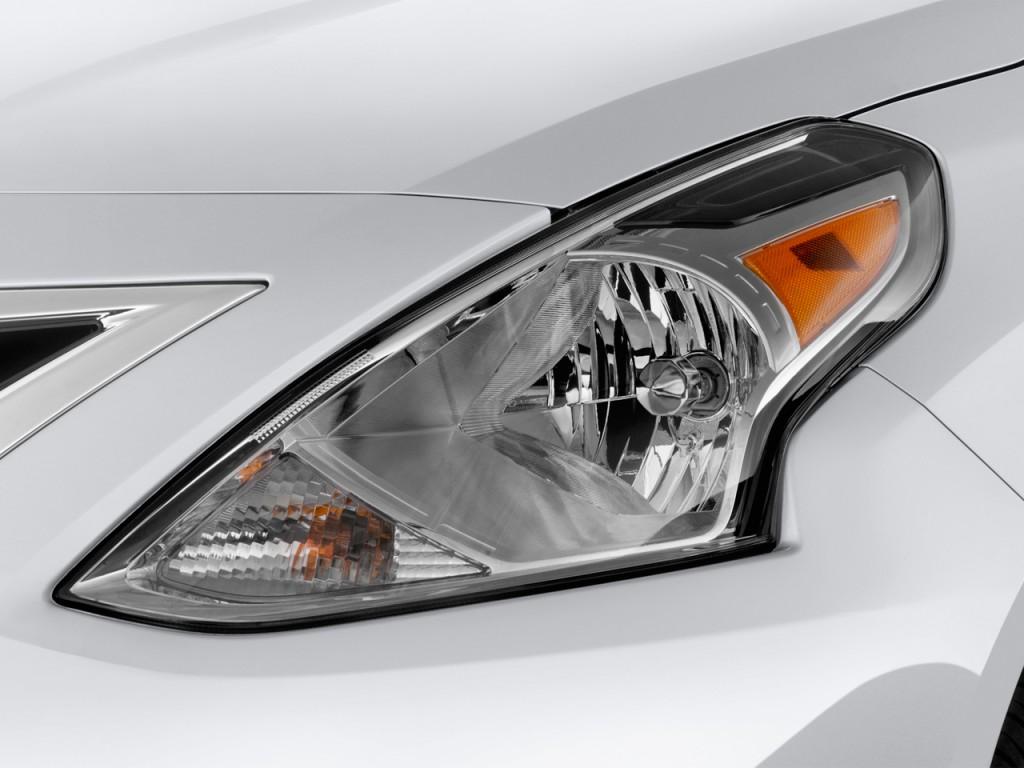 Image 2016 Nissan Versa 4 Door Sedan Cvt 1 6 Sv Headlight