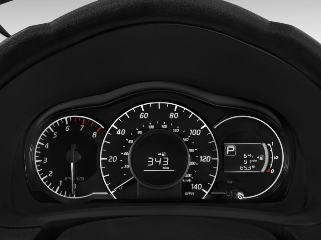 Image: 2016 Nissan Versa Note 5dr HB CVT 1.6 SR Instrument ...