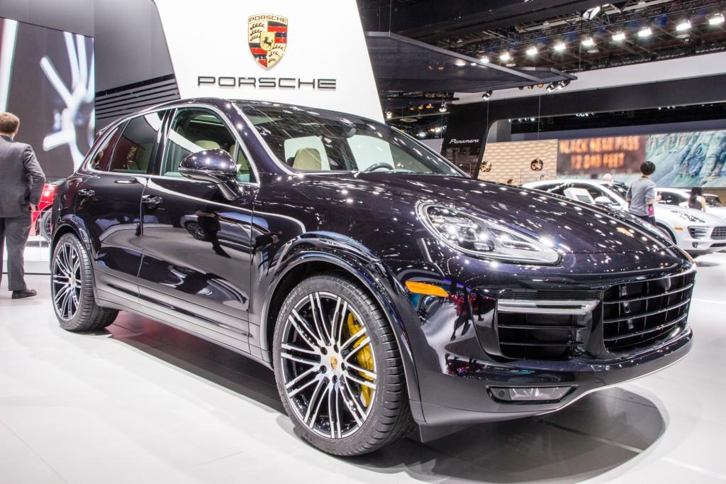porsche suv 2016. 2016 Porsche Cayenne Turbo S Live Photos, 2015 Detroit Auto Show Suv