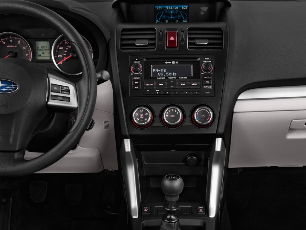 Image: 2016 Subaru Forester 4-door CVT 2.5i PZEV ...