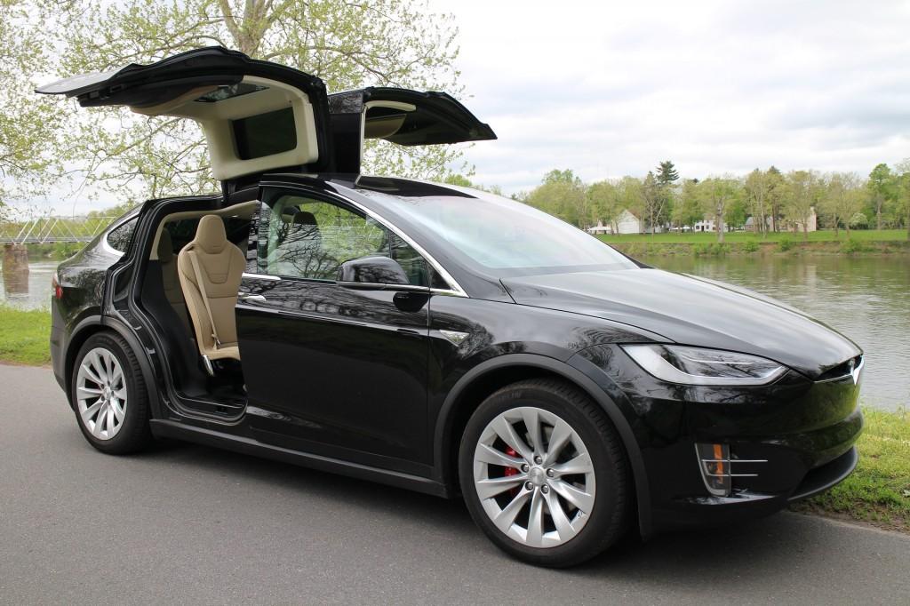 Tesla Model X Door Control Software To Be Updated Musk Says