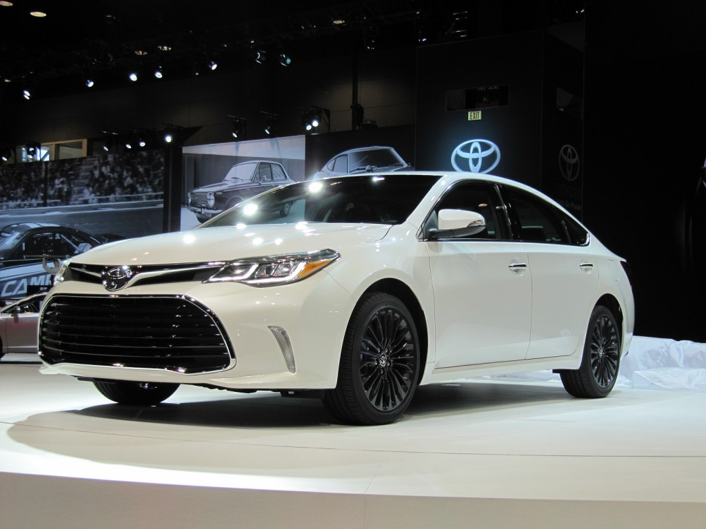 2016 Toyota Avalon Video