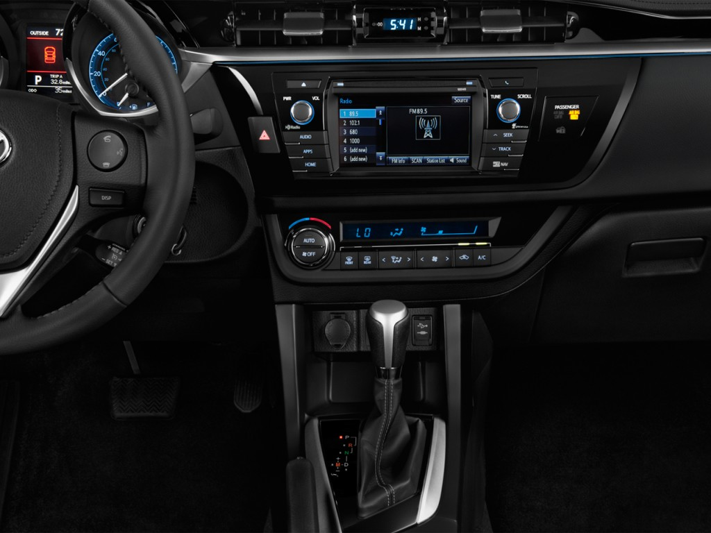 Image: 2016 Toyota Corolla 4-door Sedan CVT S (GS ...