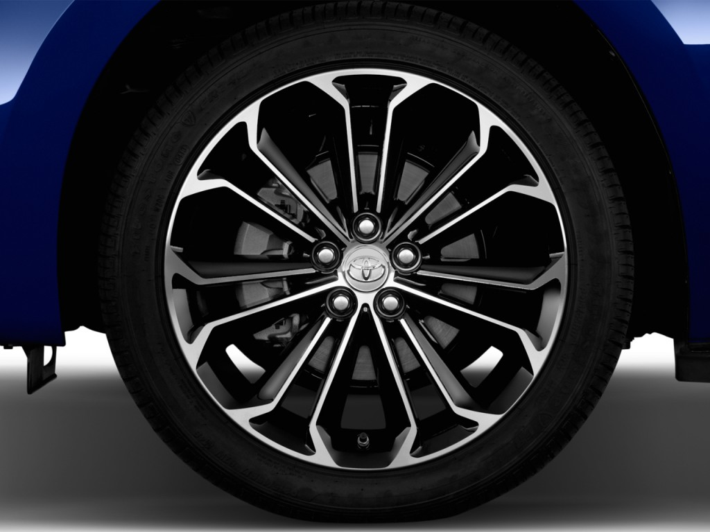 Image: 2016 Toyota Corolla 4-door Sedan CVT S (GS) Wheel ...