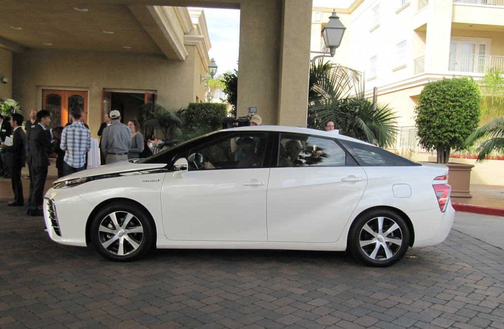hydrogen fuel cell cars worth the Fuel cell electric vehicles (fcevs) are powered by hydrogen they are more efficient than conventional internal combustion engine vehicles and produce no harmful.