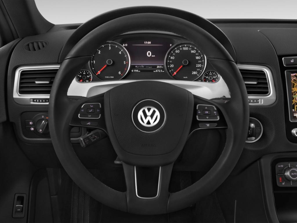 image 2016 volkswagen touareg 4 door tdi lux steering. Black Bedroom Furniture Sets. Home Design Ideas