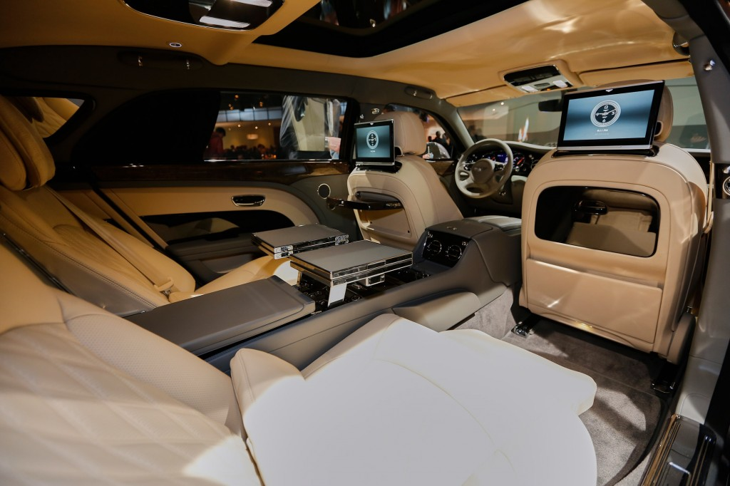 image 2017 bentley mulsanne 2016 geneva motor show size. Black Bedroom Furniture Sets. Home Design Ideas