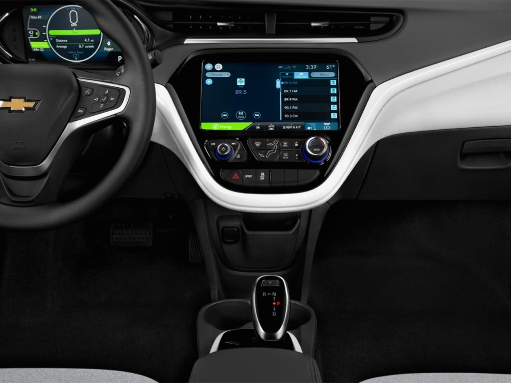 Image: 2017 Chevrolet Bolt EV 5dr HB LT Instrument Panel ...