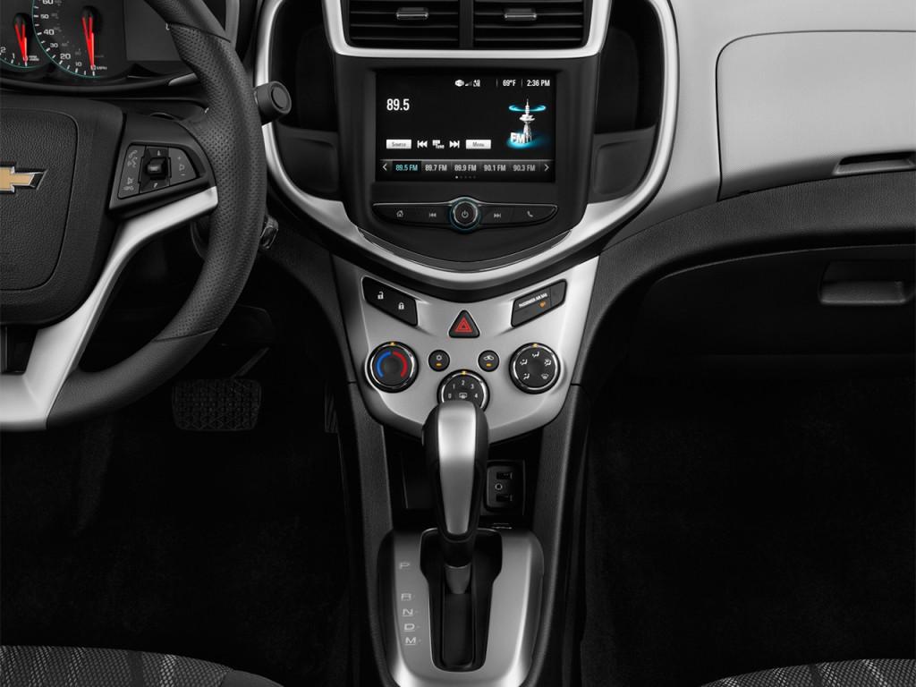 Image 2017 Chevrolet Sonic 4 Door Sedan Auto Lt