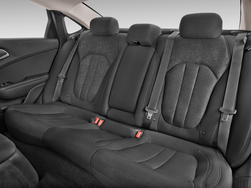 Image 2017 Chrysler 200 Limited Platinum Fwd Rear Seats