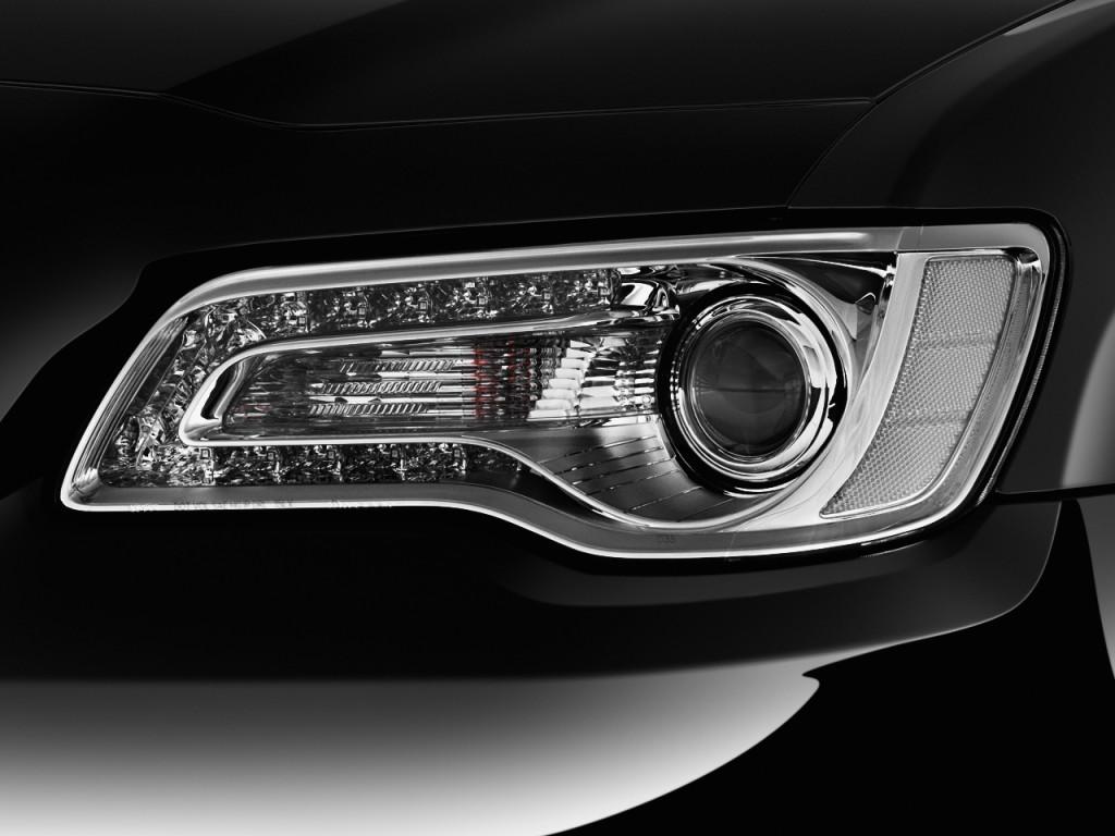 Image: 2017 Chrysler 300 300C Platinum RWD Headlight, Size