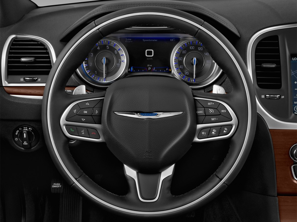 image 2017 chrysler 300 300c platinum rwd steering wheel. Black Bedroom Furniture Sets. Home Design Ideas