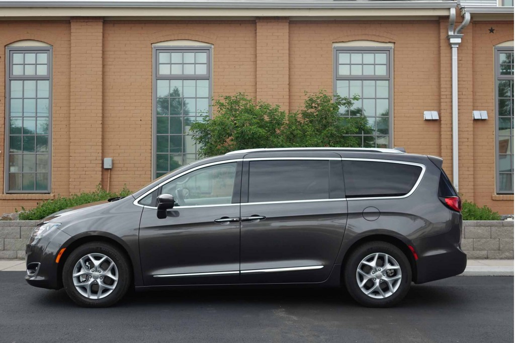 Image 2017 Chrysler Pacifica Touring L Plus Size 1024 X