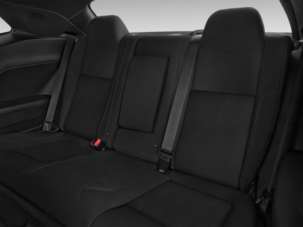 image 2017 dodge challenger sxt coupe rear seats size. Black Bedroom Furniture Sets. Home Design Ideas