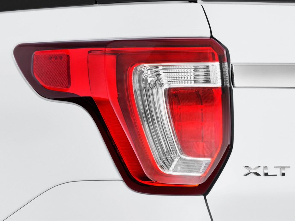 Image 2017 Ford Explorer Xlt Fwd Tail Light Size 1024 X